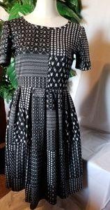 🆕️ Lularoe Amelia Dress Black/White knit look